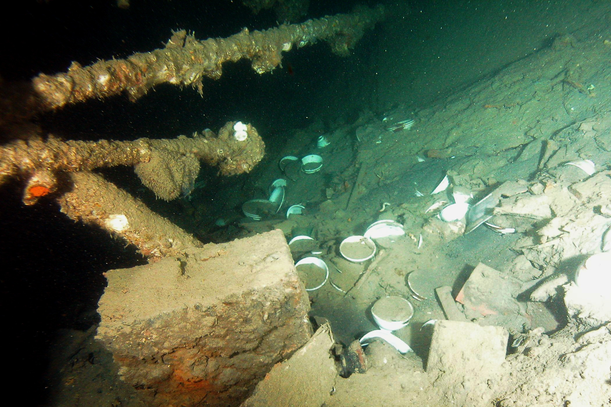 Dishes in the wreck of the Tottori Maru